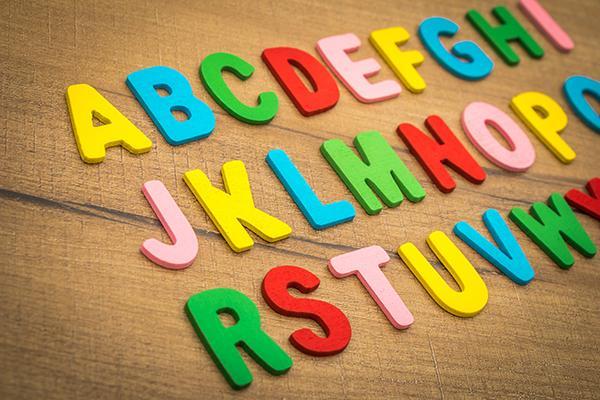 Besoins de conseils (manuels) pour apprendre le français à des enfants de 6 et 8 ans à l'étranger