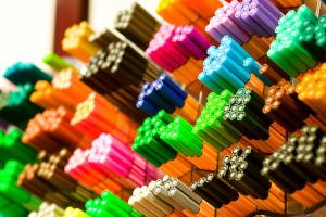 Reconnaissance feutres et crayons de couleur