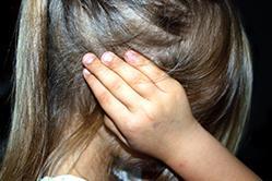 Aborder la question des violences intra-familiales en maternelle ?